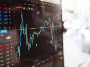 Wykresy na ekranie - gra na giełdzie - exchange market